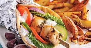 C'est en Grèce que sont originaires les fameux souvlakis, ces brochettes préparées avec du poulet qui a mariné dans un mélange d'huile ...