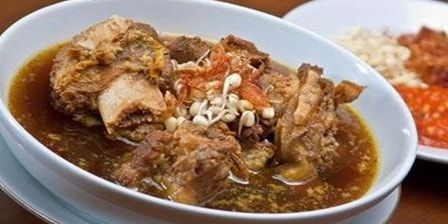 Puaskan Lidah Anda Dengan 7 Wisata Kuliner di Surabaya Paling Legendaris