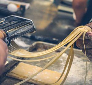 Tagliatelle fresche all'uovo - Forniture per campeggi, hotel, ristorazione e industria sul Lago di Garda - Perinelli Forniture