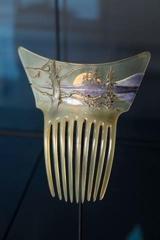 Lalique  1900 'Landscape w/Setting Sun' Comb: horn/ gold/ enamel