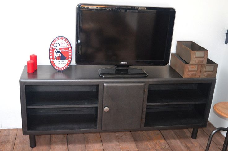 Meuble tv meuble tv bois m tal r alis partir d 39 un for Meuble cuisine metal