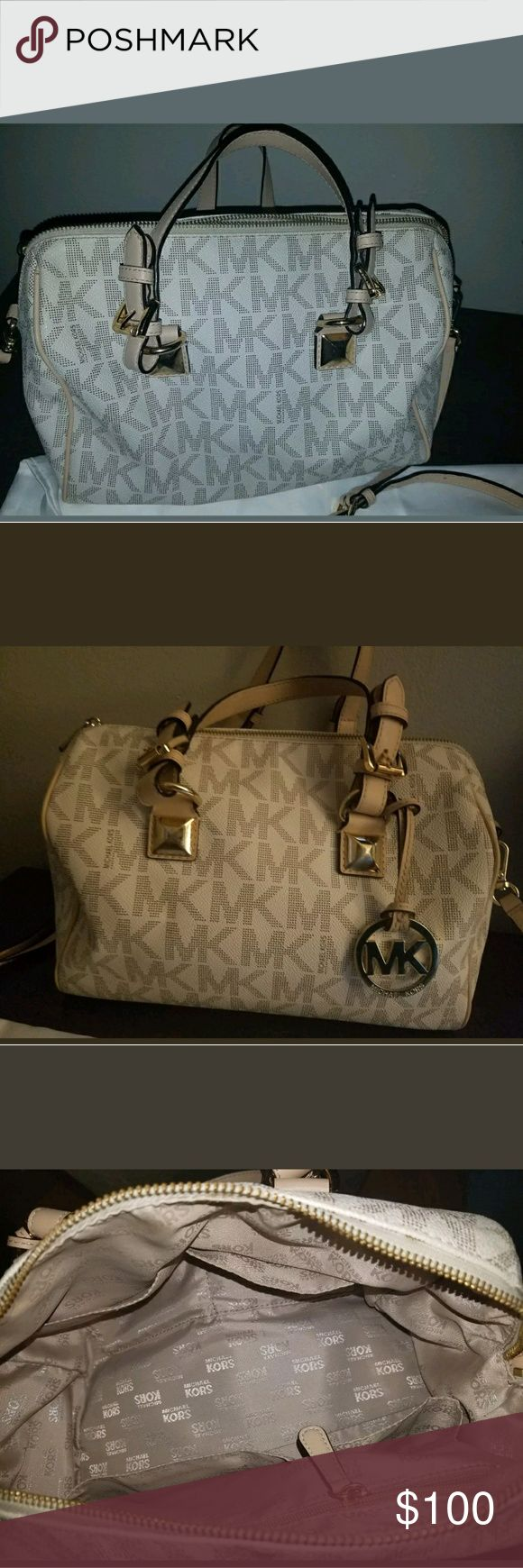Michael Kors Vanilla Grayson bag Beautiful, great pre owned condition. MK bag. Priced to sell fast. Vanilla with beige leather trim. 9×11. Authentic. Ask questions. See photos. Michael Kors Bags Satchels