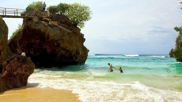 Bali Surf Guide: Uluwatu Beach Uluwatu beach is a hidden gem, whic...