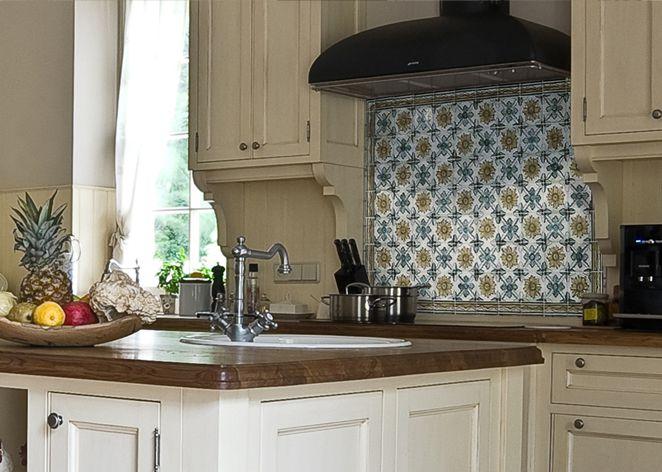 kafle ręcznie formowane i malowane - azuejlos: http://www.luxform.pl/