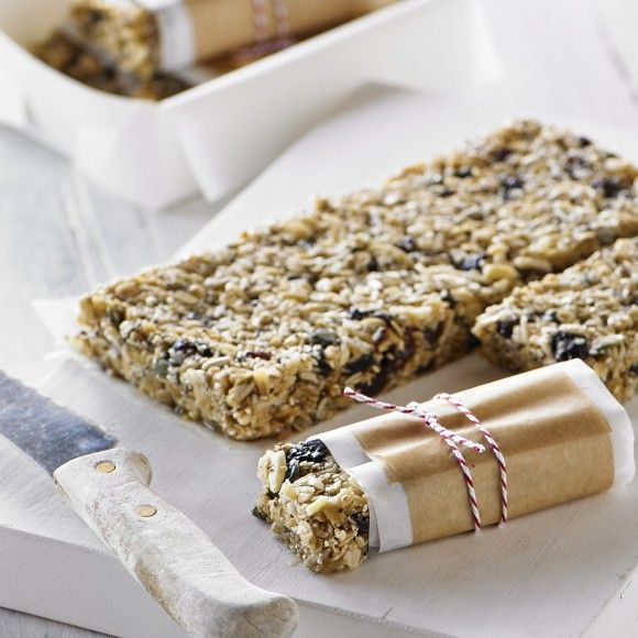 Collect this Macadamia And Chai Muesli Bars recipe by Breville. MYFOODBOOK.COM.AU | MAKE FREE COOKBOOKS