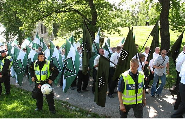 Norway Intelligence Service (PST) expects extreme right groups in Norway is going to build closer ties with violent neo-Nazis in Scandinavia, and their activity is going to increase.