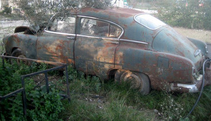 Chevrolet Deluxe. (1941-1952).