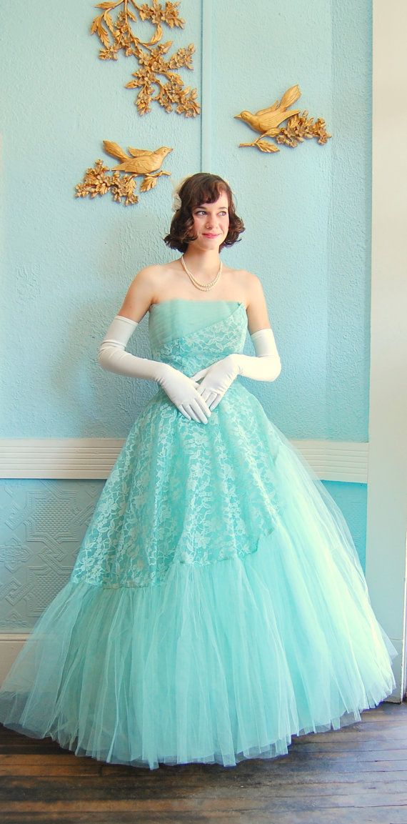 tiffany blue laceLace Prom Dresses, Prom Gowns, Fashion Shoes, Ball Gowns, Vintage Lace, Tiffany Blue, Blue Lace, Vintage 1950S Dresses, Lace Dresses