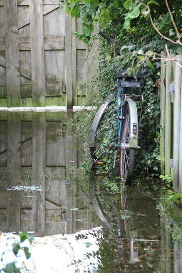 Neu in meiner Galerie bei OhMyPrints: Bike left alone