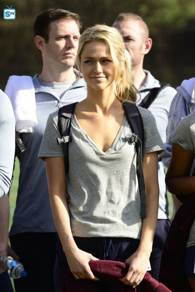"#Quantico 1x01 ""Run"" - Shelby (star, Johanna Braddy)"