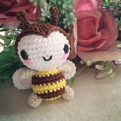 petite abeille/ bourdon amigurumi crochet , patron ( pattern free ) gratuit ༺✿ƬⱤღ✿༻