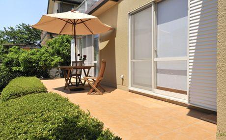 楽しさ広がるテラコッタ風テラス | 外壁・屋根・外構のリフォーム | 実例紹介 | ポラス