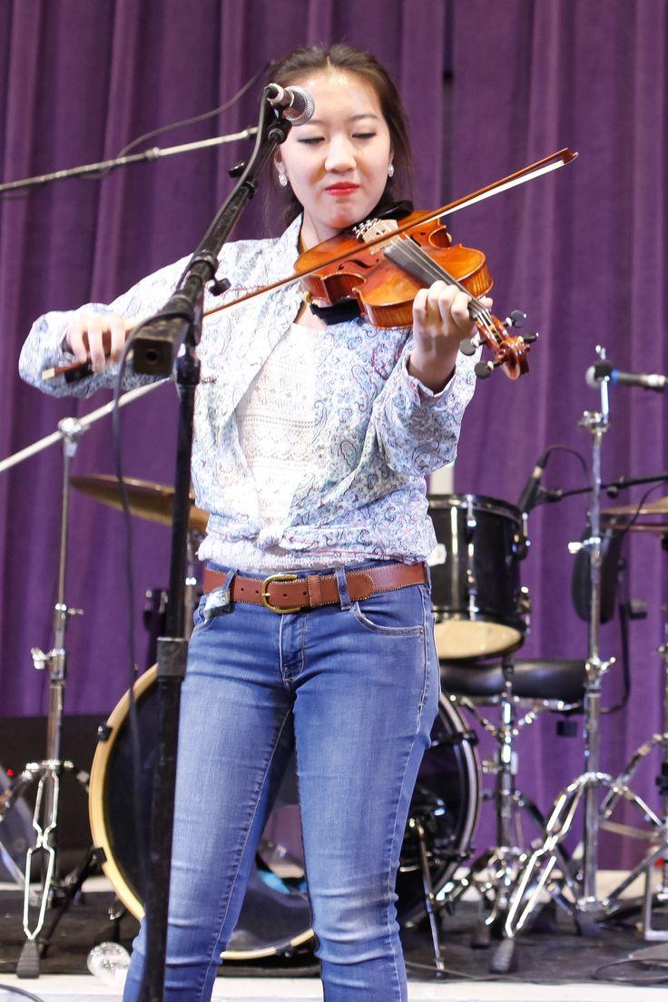 2016 LA State Fiddle Champion, Joanna Calhoun (Photo by Peter Jones)