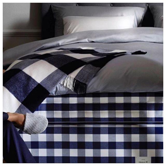 Adopta estos hábitos en tu estilo de vida y mejorarás tu sueño al lado de las camas Hästens:  Evita la cafeína. Evita el alcohol. Pierde el exceso de peso. Haz ejercicio regularmente.  #hästens #bedroomstyle #naturalfurniture #luxurylife #luxurystyle #luxurybrand #luxuryhouse #luxuryhomes #decor #decoration #bedroomdecor #bedtime #bedroomgoals #beddingset #bedroomset #hastensbeds #sustainabletextiles #sustainbelieving #hastensmexico #luxurybeds #naturalmaterials #sleepingtips #sleeptips…
