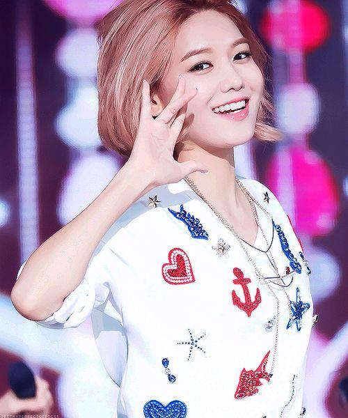 asian, beautiful, choi sooyoung, cute, fashion, girls generation, hair, hyoyeon, idol, jessica, kpop, party, pretty, seohyun, smile, snsd, sooyoung, style, sunny, taeyeon, tiffany, white, yoona, yuri