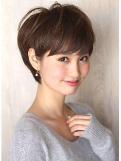 アフロート ルヴア 新宿(AFLOAT RUVUA)頭の形が綺麗に見える!トップふんわり小顔ショートヘアスタイル
