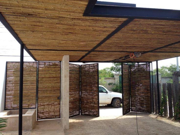 Frentes de casas con portones de madera y palos buscar for Plafones cuadrados de pared