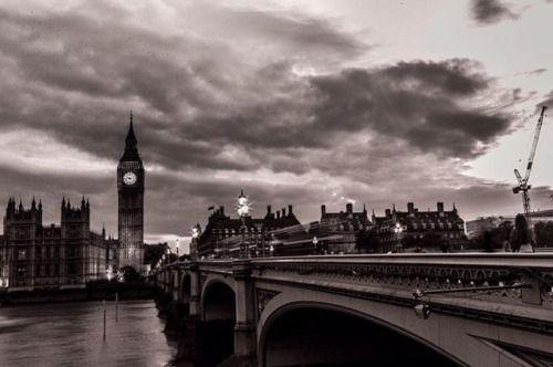 United London stands Photo @gcooler   #bigben #westminster #westminsterbridge #londres #london #londra #thisislondon #leica #leicam #leicacamera #leica_photos #monochrom #mono #noir #bnw_captures #bnw_society #bnw_planet #blackandwhitephotography #streetphotography #streetdreamsmag #photographer #gcooler #londonattack #clouds #cloudporn #leicamonochrom via Leica on Instagram - #photographer #photography #photo #instapic #instagram #photofreak #photolover #nikon #canon #leica #hasselblad…