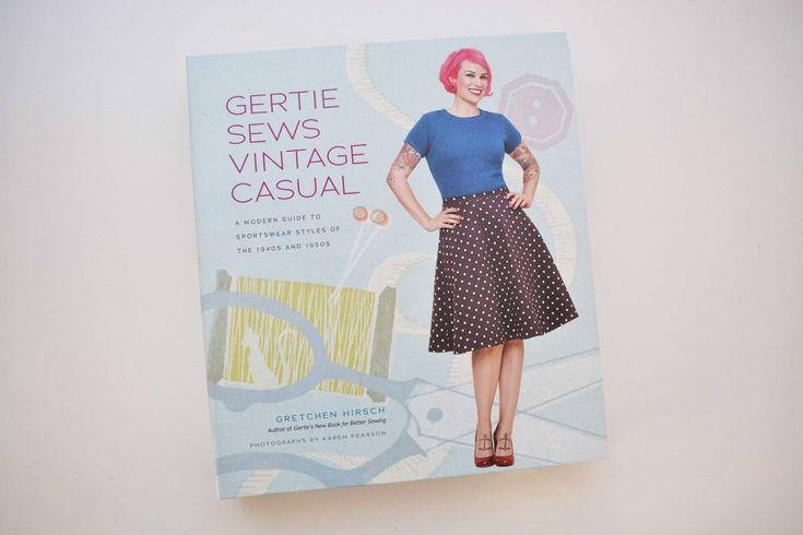 Το Gertie Sews Vintage Casual, είναι ένα βιβλίο που αγόρασα στην αρχή ακόμη της ραπτικής μου περιπέτειας και είναι ένας θησαυρός γνώσεων. Το είχα διαλέξει ανάμεσα στα άλλα της Gertie, επειδή το ντύ…