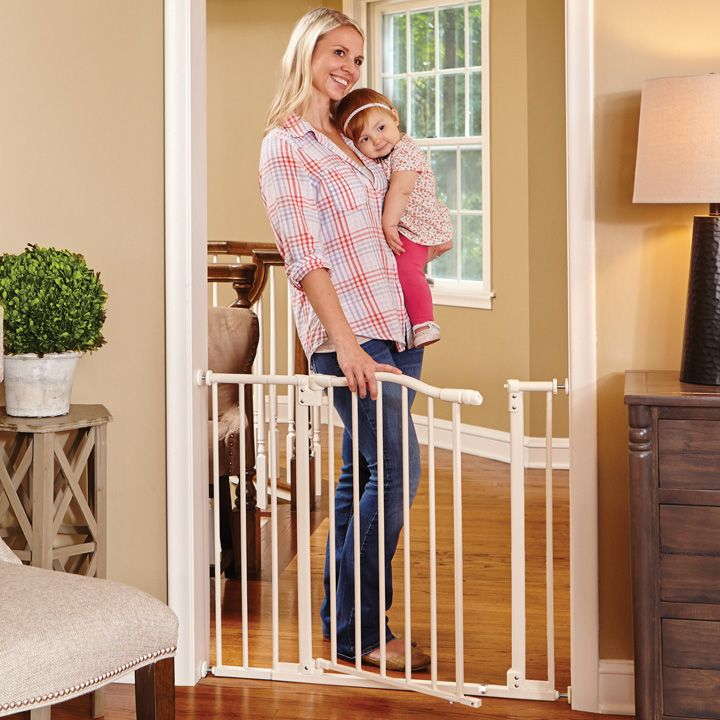 Arched Auto-Close Gate with Easy-Step | Baby Gates | North States