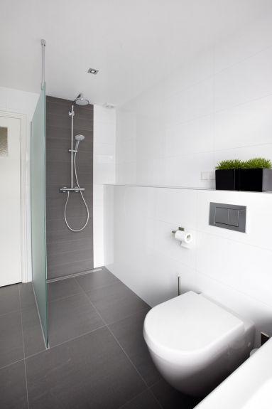 Meer dan 1000 idee n over kleine badkamer ontwerpen op pinterest kleine badkamers badkamer en - Doucheruimte m ...