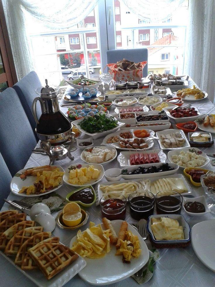 Mutfağımdaki Lezzet:  KAHVALTI DAVETİ-KAHVALTI SOFRASI  Bu pazar görüm...