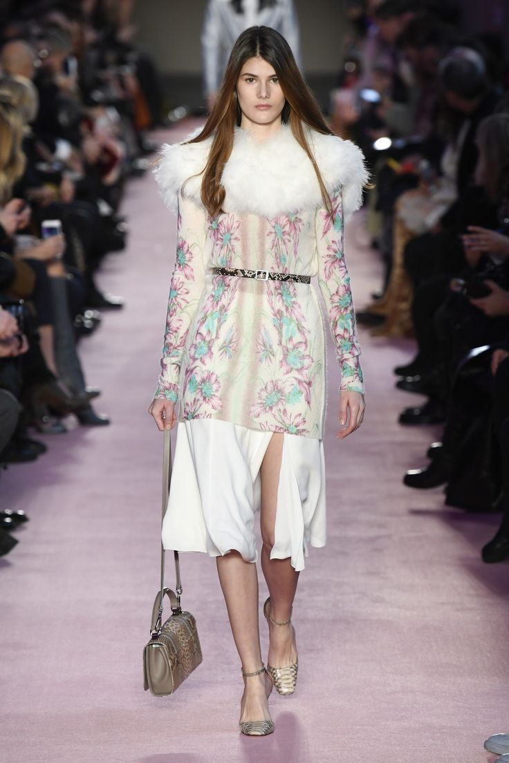The complete Blumarine Fall 2018 Ready-to-Wear fashion show now on Vogue Runway.