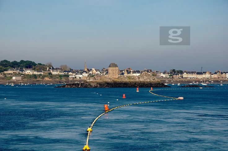 https://flic.kr/p/oXChcp | Saint Servan seascape | Seascape of Saint Servan Solidor at Saint Malo.  FOR SALE ON GETTY IMAGES   Check it out my Portfolio:  GETTY IMAGES Maybe you like this: /  Facebook  /  Twitter / Google+ /  Blogspot  /  Pinterest  /  Tumblr / www.vincent-jary.fr   © Vincent Jary