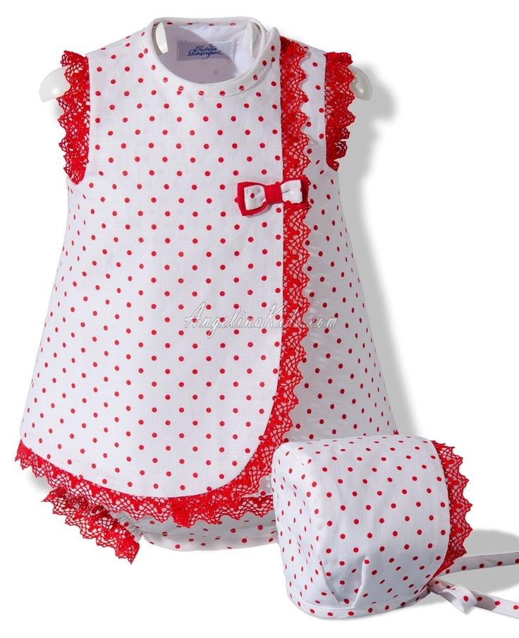 Vestido de lino blanco y rojo con capota