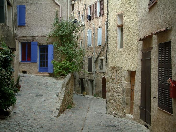 Bargemon: Maisons du village - France-Voyage.com