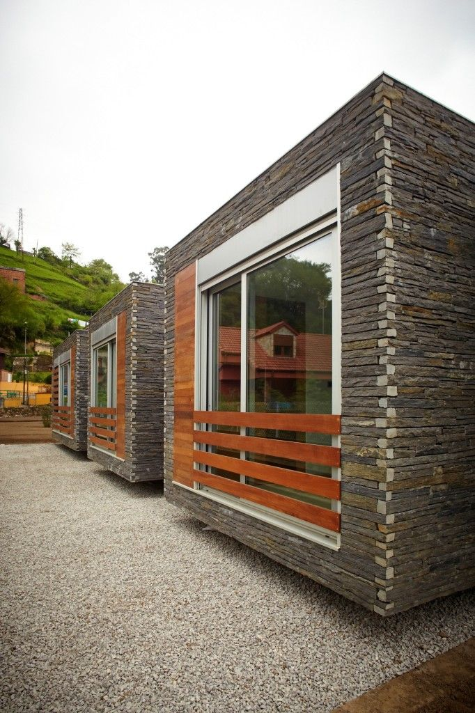 Design Wooden House Family In Pereda