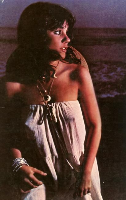 None of us wore bra's in the early 70's so this was normal to be letting it all hang out and when you can sing like Linda who cares what she's wearing? Linda Ronstadt