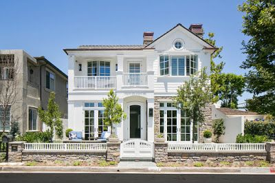Home Decor: Urban Cottage with Transitional Coastal Interiors