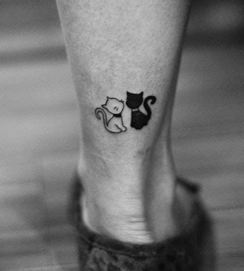 siyah ve beyaz kedi dövmesi black and white cat tattoo