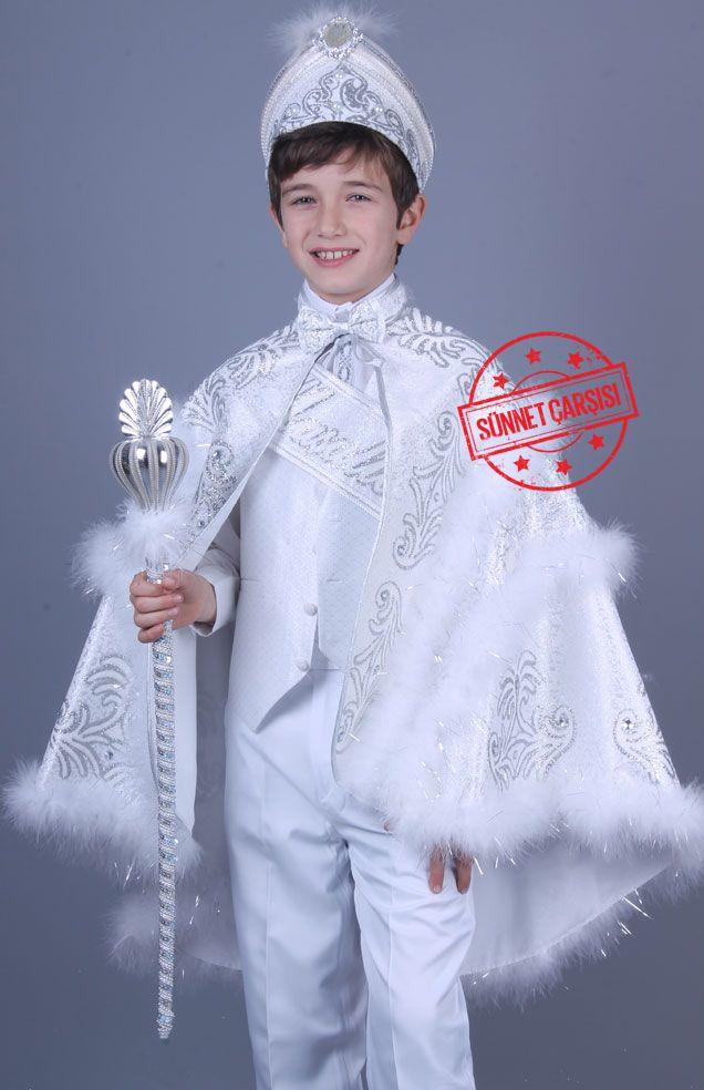 İzmir Beyaz Gümüş Pelerinli Sünnet Elbisesi Bu pelerinli sünnet kıyafetleri toplam 9 parçadan oluşmaktadır. Şu anda sünnet kıyafetlerimizin fiyatları %50 indirimdedir.  Bu numaralardan bize ulaşabilirsiniz 0212 909 32 31 - 0212 519 50 00 - Whatsapp: 0507 896 02 02