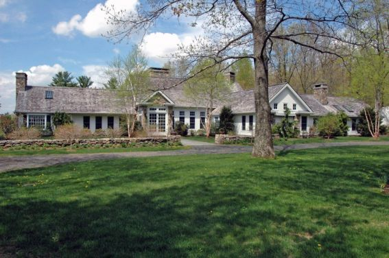 Joan Rivers former 10-room, 5,730-square-foot estate in New Milford