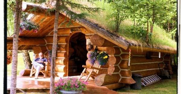Super Cute Alaskan Cabin