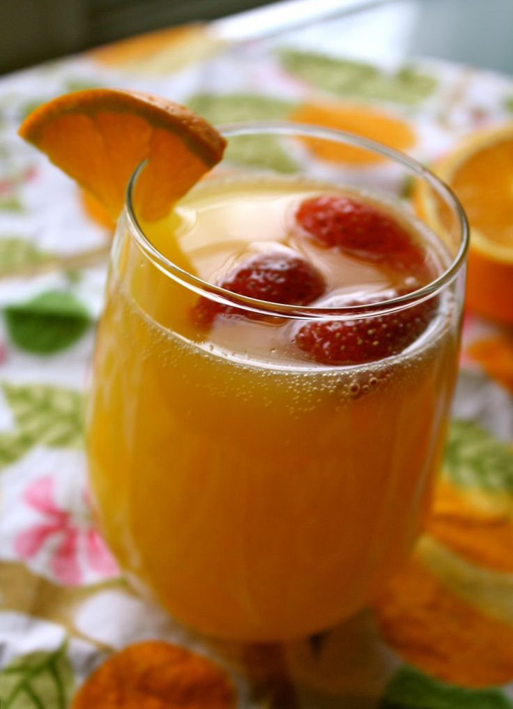 Easter Mimosa Punch | The Divine Addiction http://www.thedivineaddiction.com/easter-mimosa-punch/