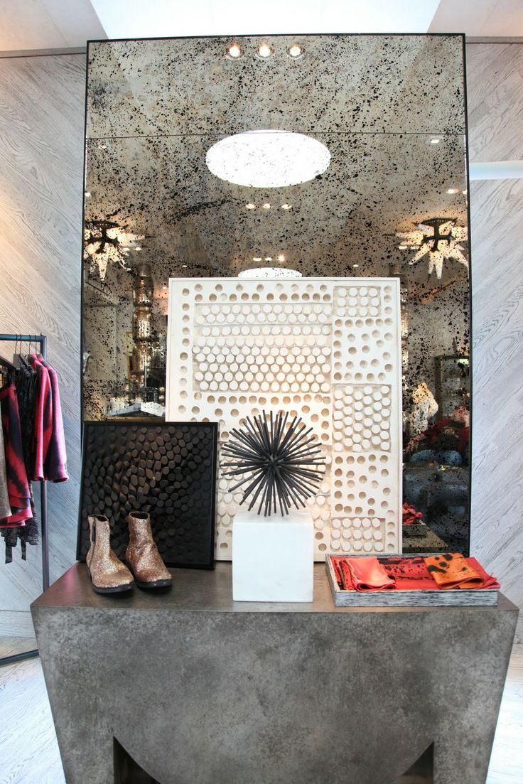 Love the antique mirror cut in panels kelly wearstler - Vintage and chic love ...