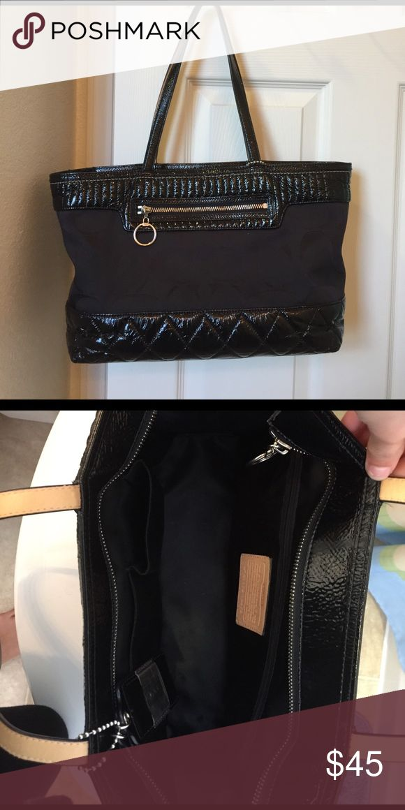 Black Coach purse Black Coach tote purse. Pretty worn but great condition and comes with dust bag :) Coach Bags Totes