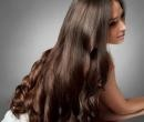 The Surprising Secret to Shiny Hair... is in your kitchen. Why olive oil is great for your hair and how to use it #beauty