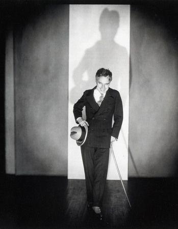 Эдвард Штайхен. Представляя Господина Чарльза Спенсера Чаплина.  1925.  © Joanna T. Steichen.  Courtesy George Eastman House