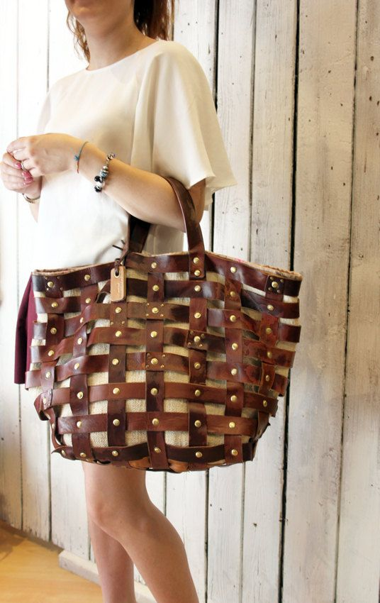 "Handmade woven leather bag ""INTRECCIATO 27"" di LaSellerieLimited su Etsy"
