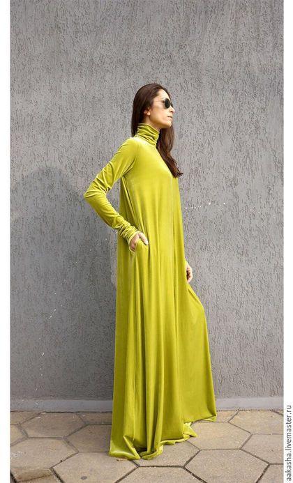 Купить или заказать Платье Maxi Velvet Mustard в интернет-магазине на Ярмарке Мастеров. Красивое платье макси из бархата! Платье в пол, с карманами,воротником стойкой, с длинными облегающими рукавами. Платье свободного кроя, подходят абсолютно для любой фигуры,вы будете выглядеть неотразимо! Уникальное изысканное экстравагантное платье! Идеально подходит для различных мероприятий,вечеринок , обедов, свадеб. Материал: Шелк 18% Вискоза 82% Возможные цвета: Малиново-красный Темный…