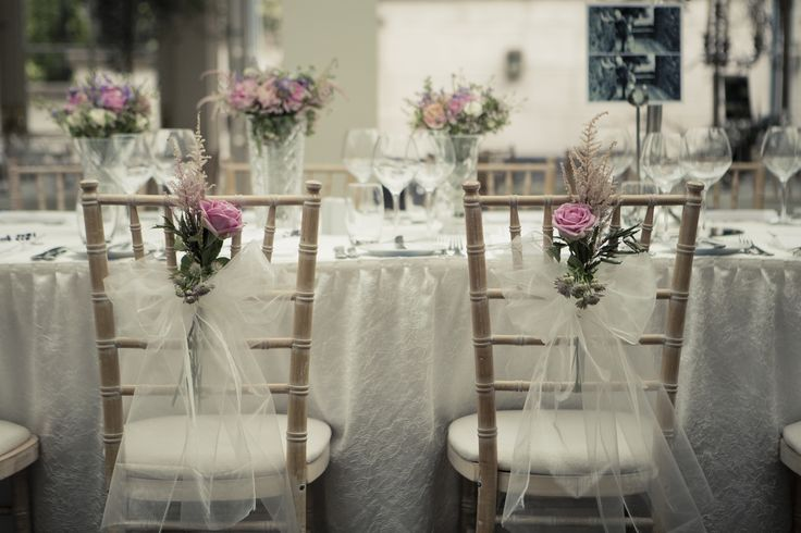 Tankardstown, Slane, Co Meath. Reception room beautifully decorated in white for an elegant country house Irish wedding. Perfect natural light for photography! Wedding photography by Paul Kelly Studio3 www.tankardstown.ie @tankardstown00