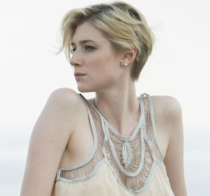 jed night manager - Google Search After wedding hairstyles ...