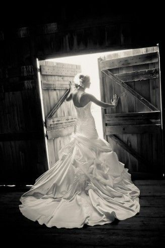 Love the picture and the dress!!! - Click image to find more Weddings Pinterest pins