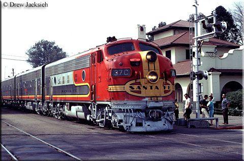 Google Image Result for http://www.american-rails.com/images/ATSF_DJ_F7II.jpg