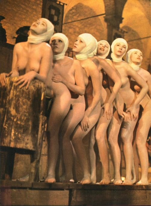 vulgarreligion:A bunch of naked nuns