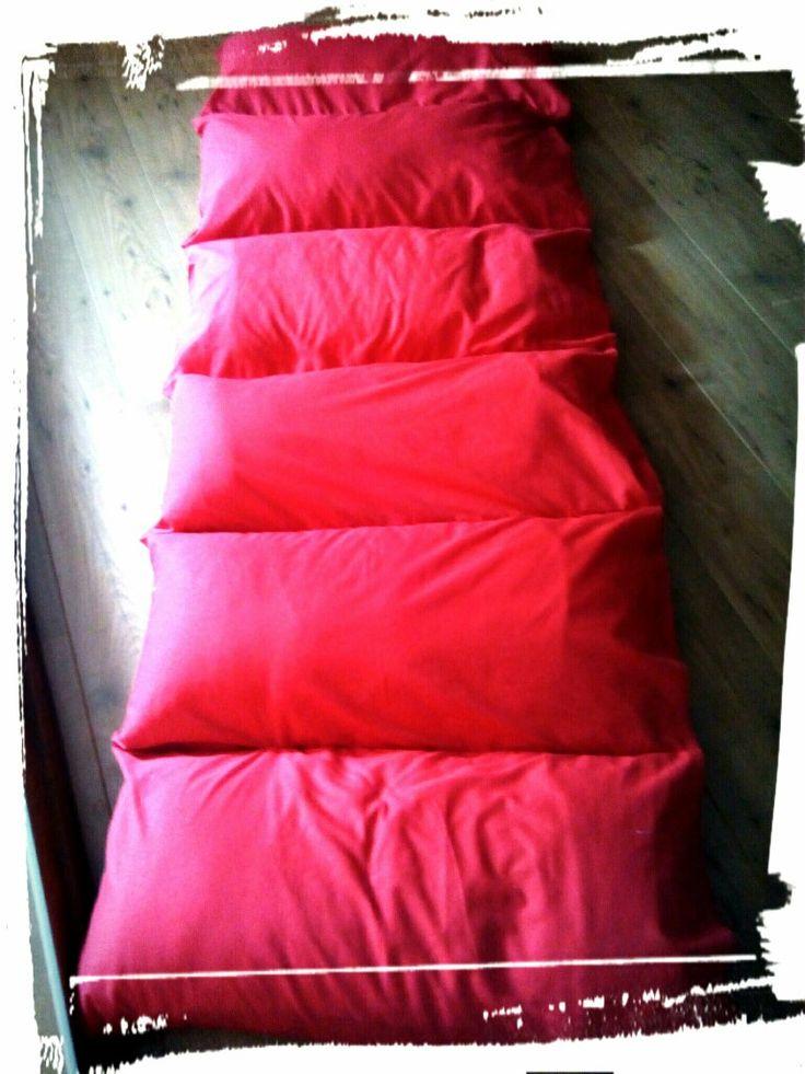66 best kinderzimmer images on pinterest child room mattresses and pillow beds. Black Bedroom Furniture Sets. Home Design Ideas
